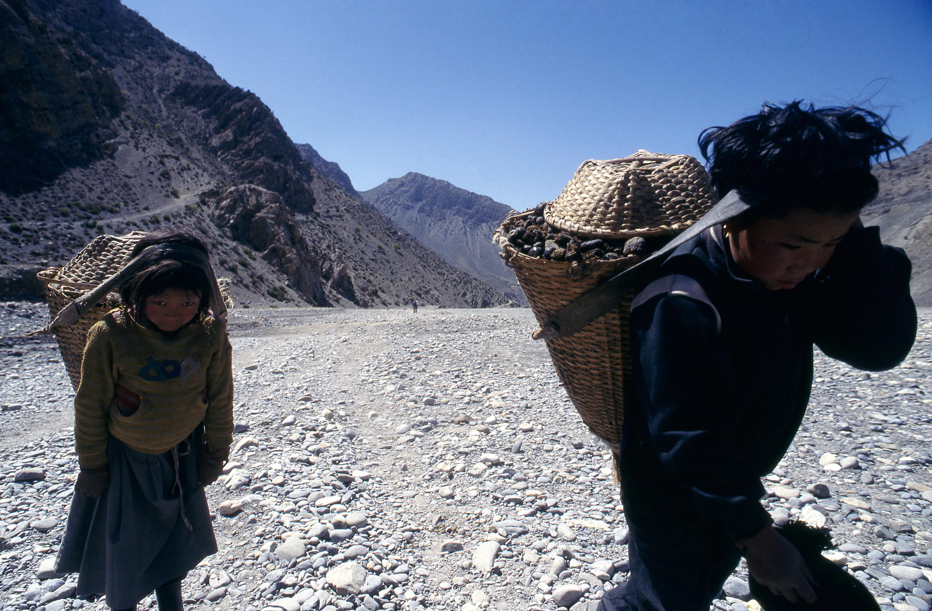 Portatori - Nepal: Stefano Cardone Photographer Reportage